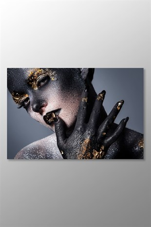 Gold and Black Makeup Kanvas Tablo